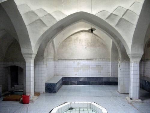 معماری حمام های تاریخی شهرستان